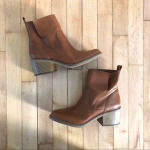 💕 Mossimo Boots Size 8